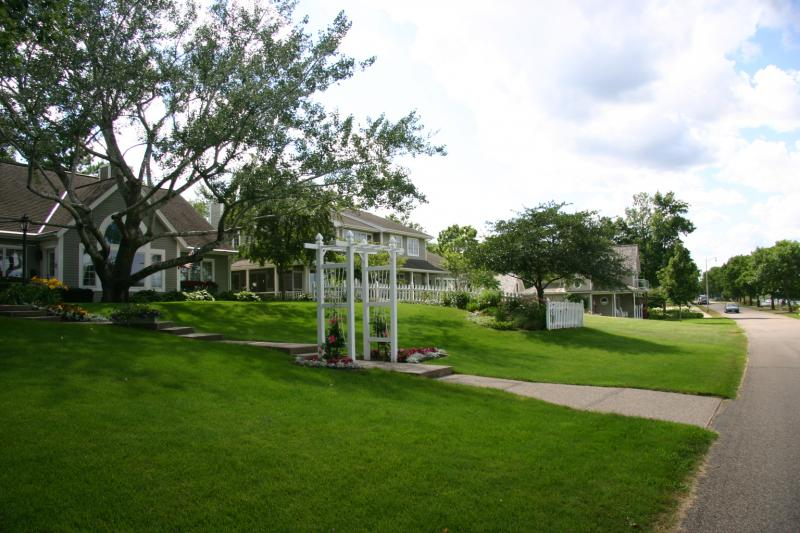 manicured lawns in Wabasha, MN